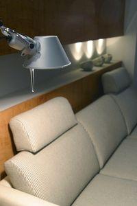 Come decorare il tavolino dietro al divano guide di for Cosa mettere dietro il divano
